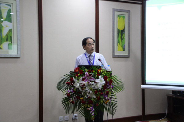 中国林学会理事、浙江农林大学校长周国模做《森林生态服务与市场化制度设计》的报告